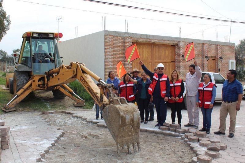 Amplían red de drenaje sanitario en comunidad de Xiloxoxtla
