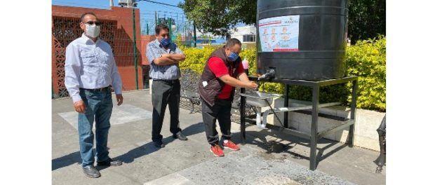 Ayuntamiento de Xiloxoxtla, Coloca Lavamanos en el Zócalo Municipal ante la Pandemia del COVID-19