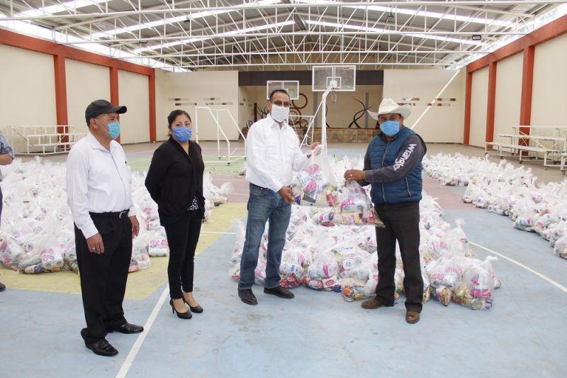 En apoyo a familias que más lo necesitan en Xiloxoxtla entregan 1,500 despensas