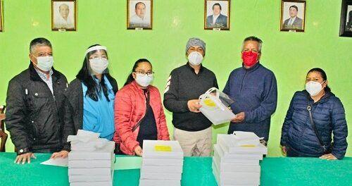 Continúa entrega de insumos de protección a transportistas en Xiloxoxtla